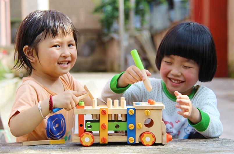 玩具有爱,为庆元贤良镇孩子送六一礼物